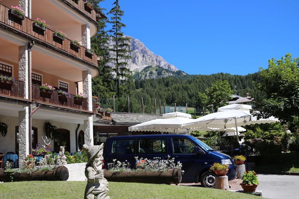 Hotel cortina boutique hotel villa blu cortina for Boutique hotel dolomiten