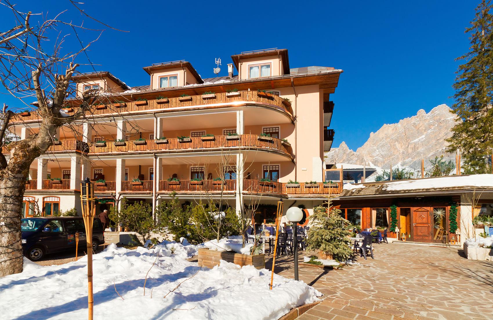 hotel-cortina-villa-blu-esterni-1700
